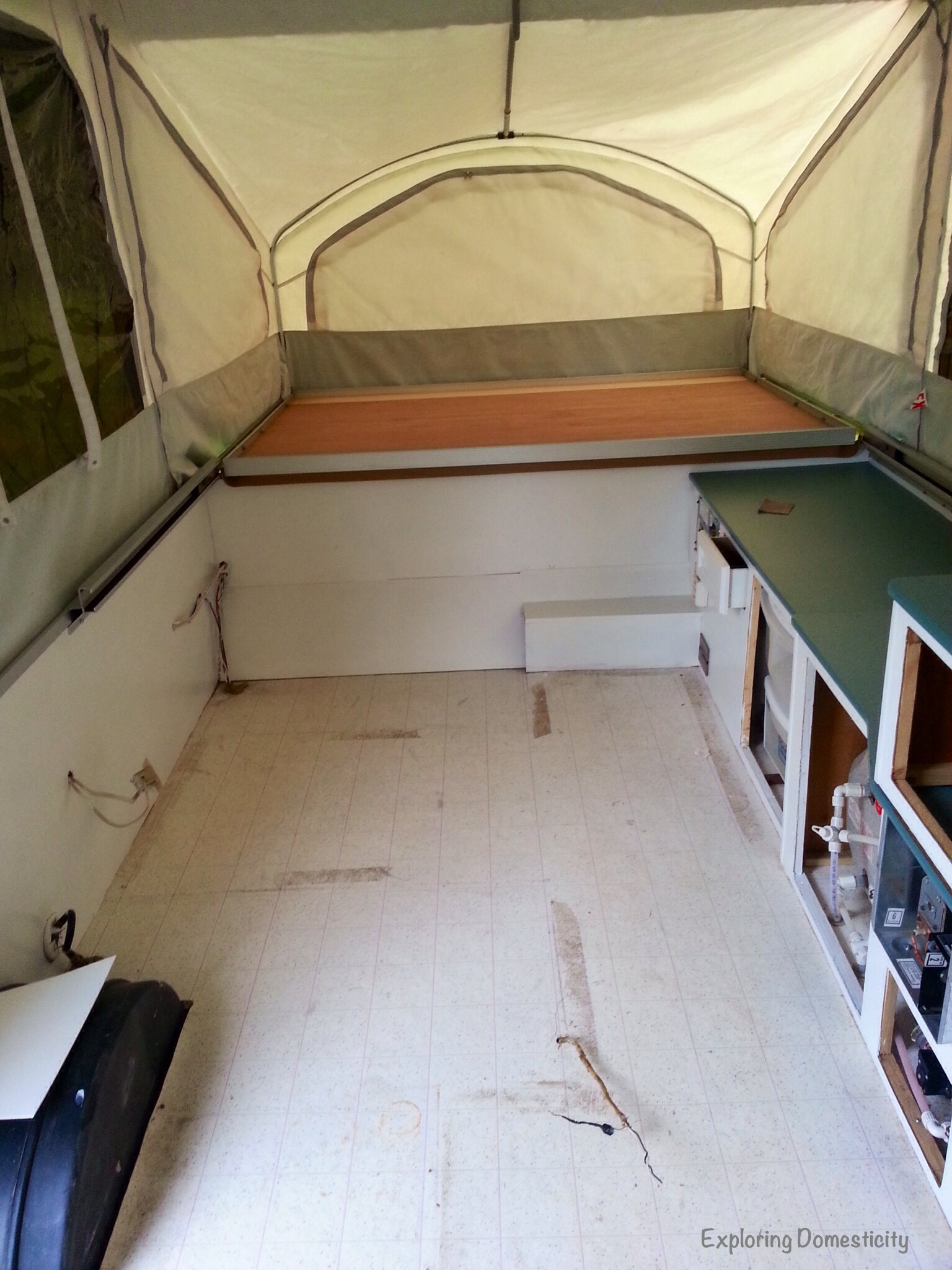 Pop Up Camper Remodel Painting And Flooring ⋆ Exploring