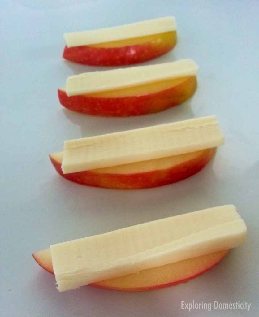 Simple Healthy Snacks to Satisfy Your Sweet Tooth: apples and cheese