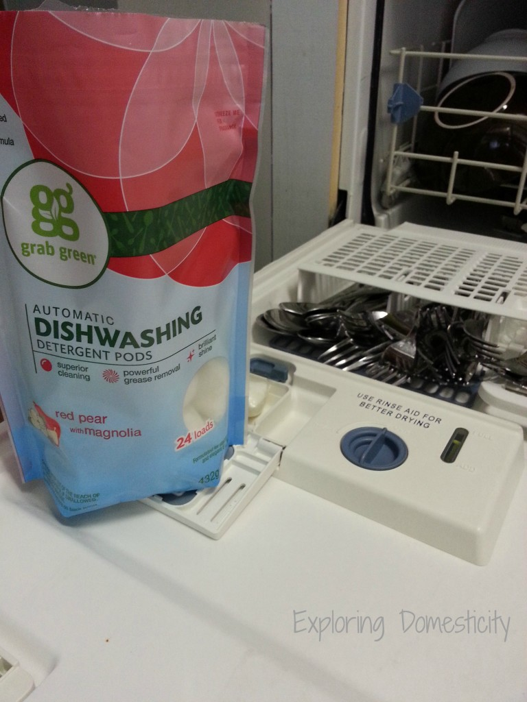Non-Toxic Laundry and Dish Pods from #grabgreen and #