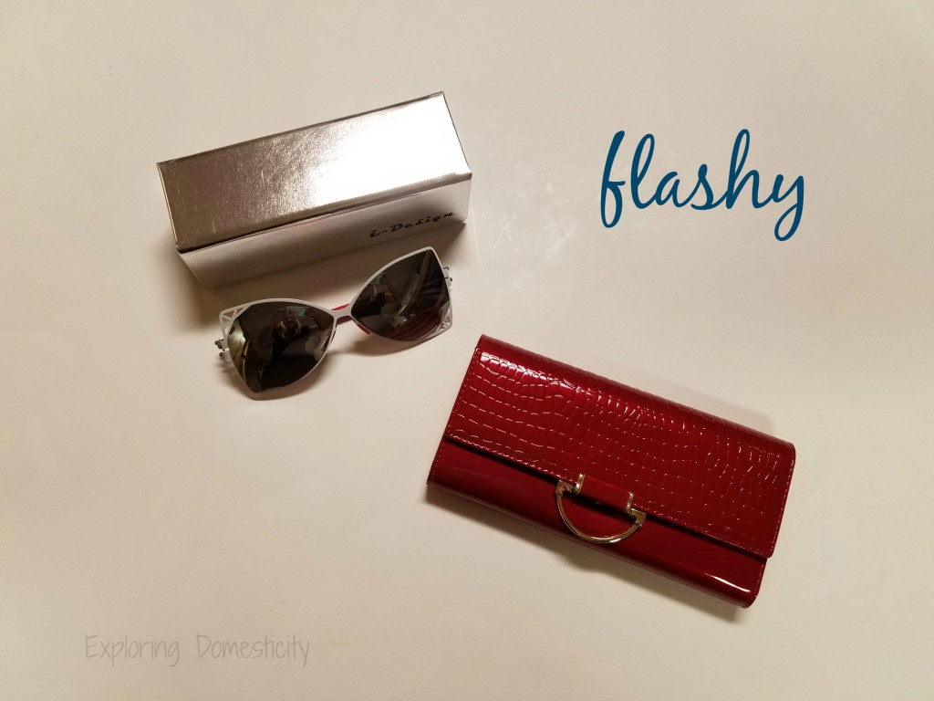 Autumn Wins Giveaway Hop - flashy prize pack