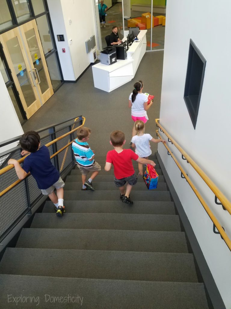 MN Children's Museum Birthday Party - where to enter