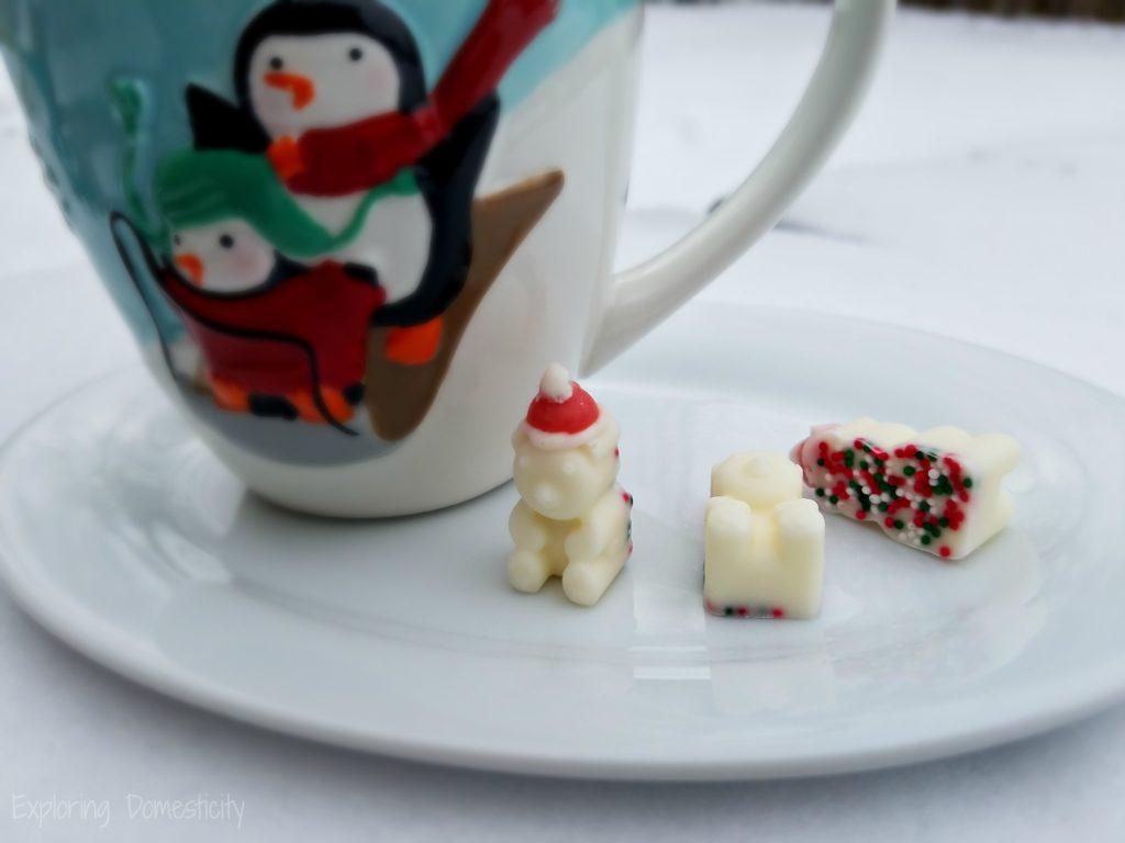 Santa Bear Hot Chocolate Melts - Adorable and Easy Santa Bears for your holiday cocoa