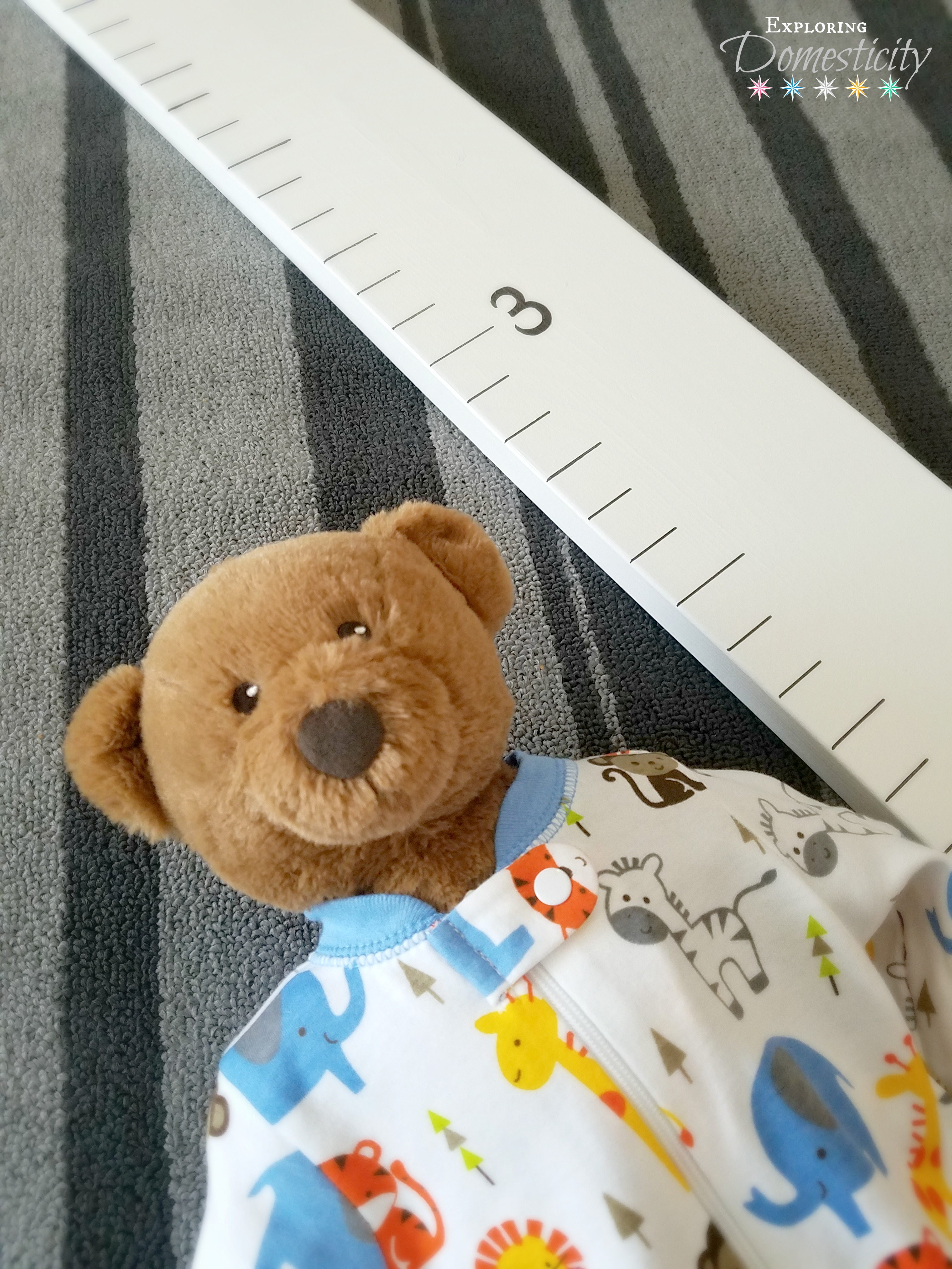 Diy growth chart adorable easy baby shower gift diy growth chart or measurement board easy and inexpensive thoughtful baby gift geenschuldenfo Choice Image